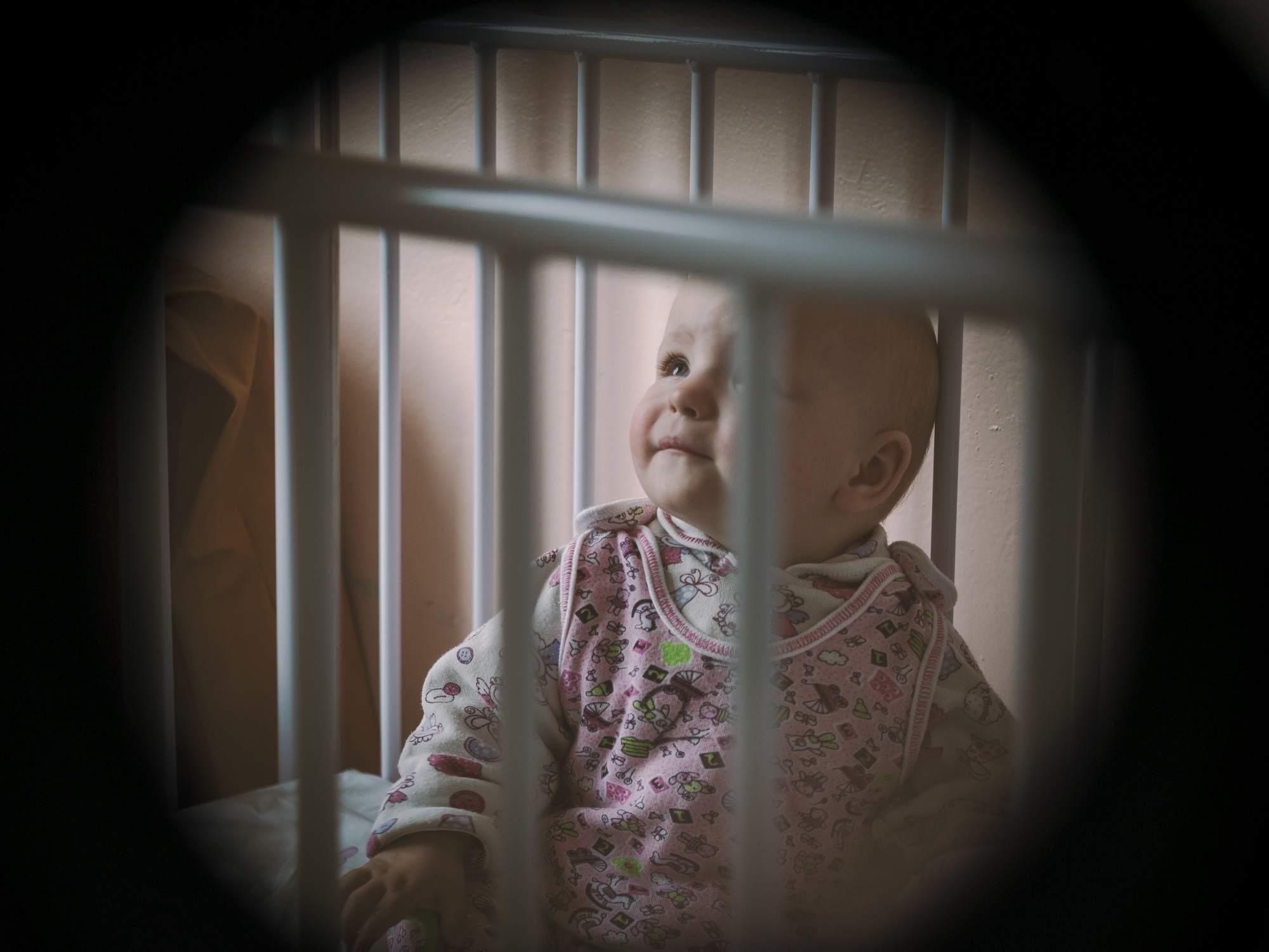 Диана-невидимка. Вбольницах повсей Беларуси плачут малыши-сироты, авзять ихнаруки некому