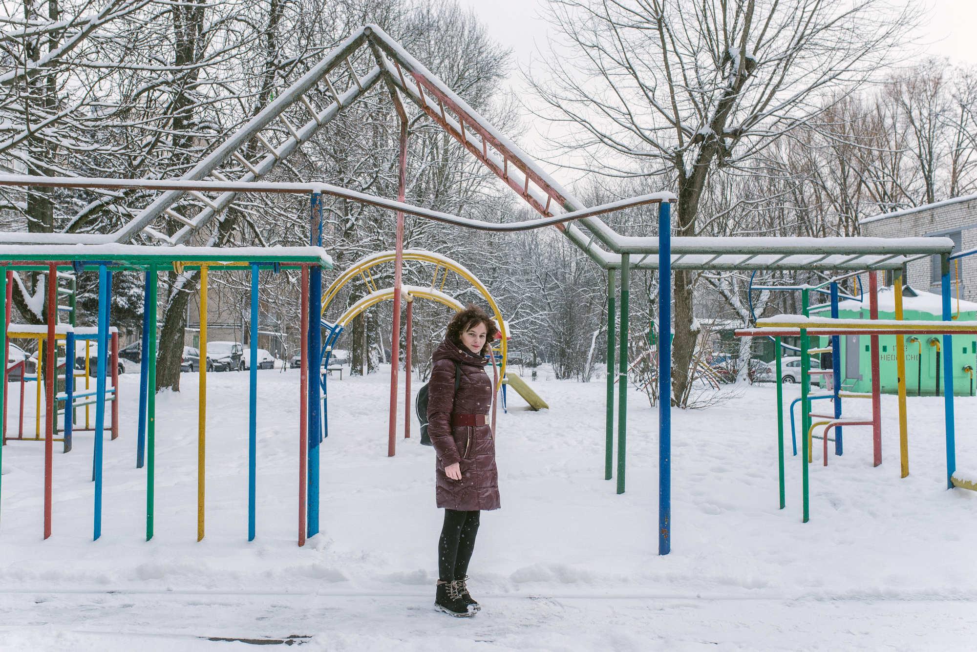 Алеся держится за работу в Минске, потому что здесь лучшие специалисты в стране. Случись что, в родной Корме ей вряд ли помогут, считает девушка.