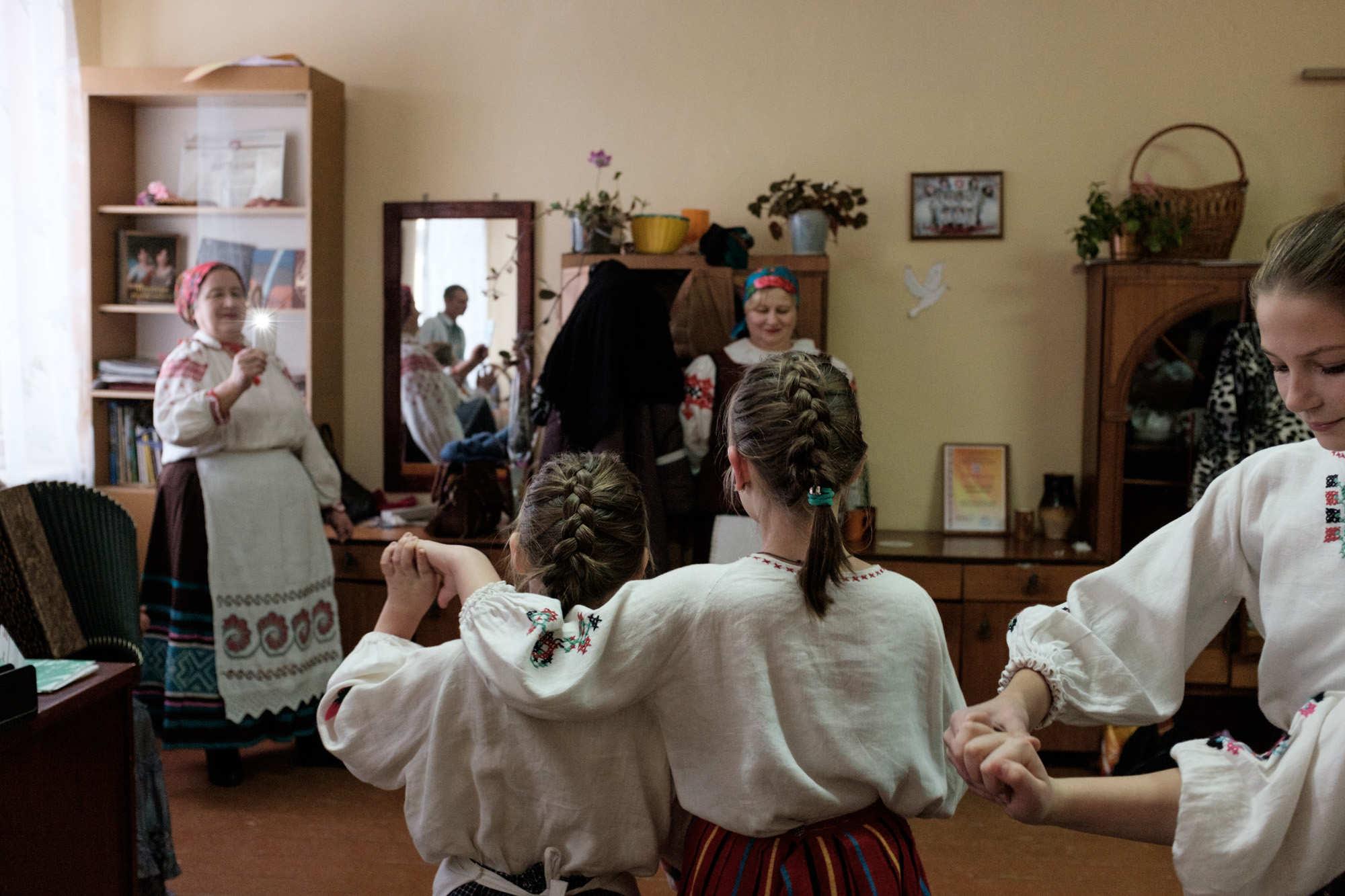 """«К Новому году мы поставили мюзикл """"Красная шапочка"""". Выступили в Столбуне на фестивале """"Ветка Пасожжа""""», — говорит Наталья."""
