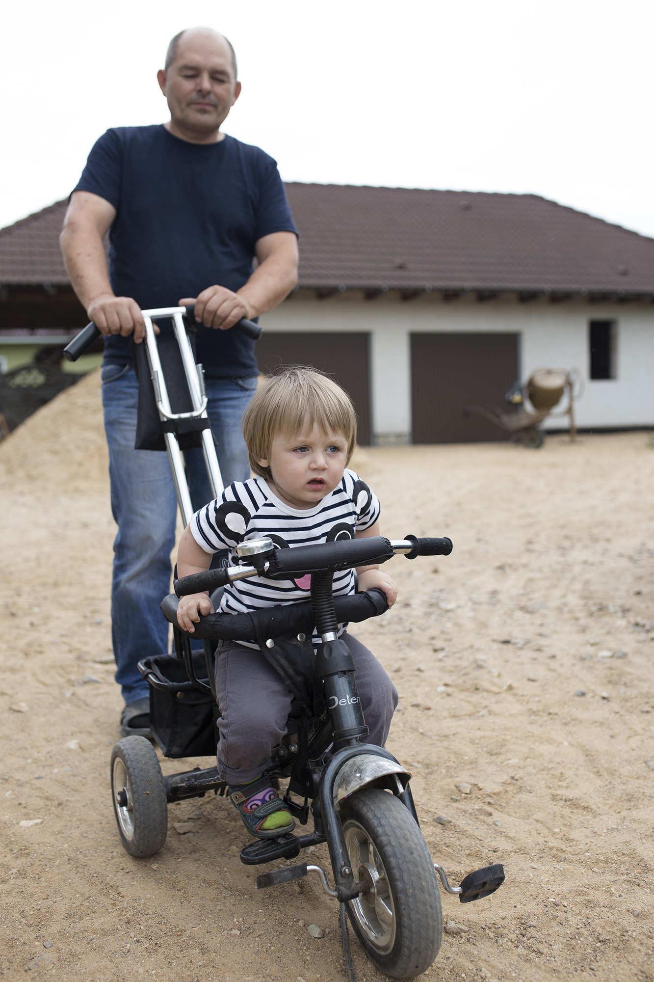 Семья из Бреста пытается спасти единственного в роду мальчика, но отказывается от бесплатной операции в Беларуси